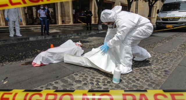 Comienzan a verse muertos por coronavirus en calles colombianas