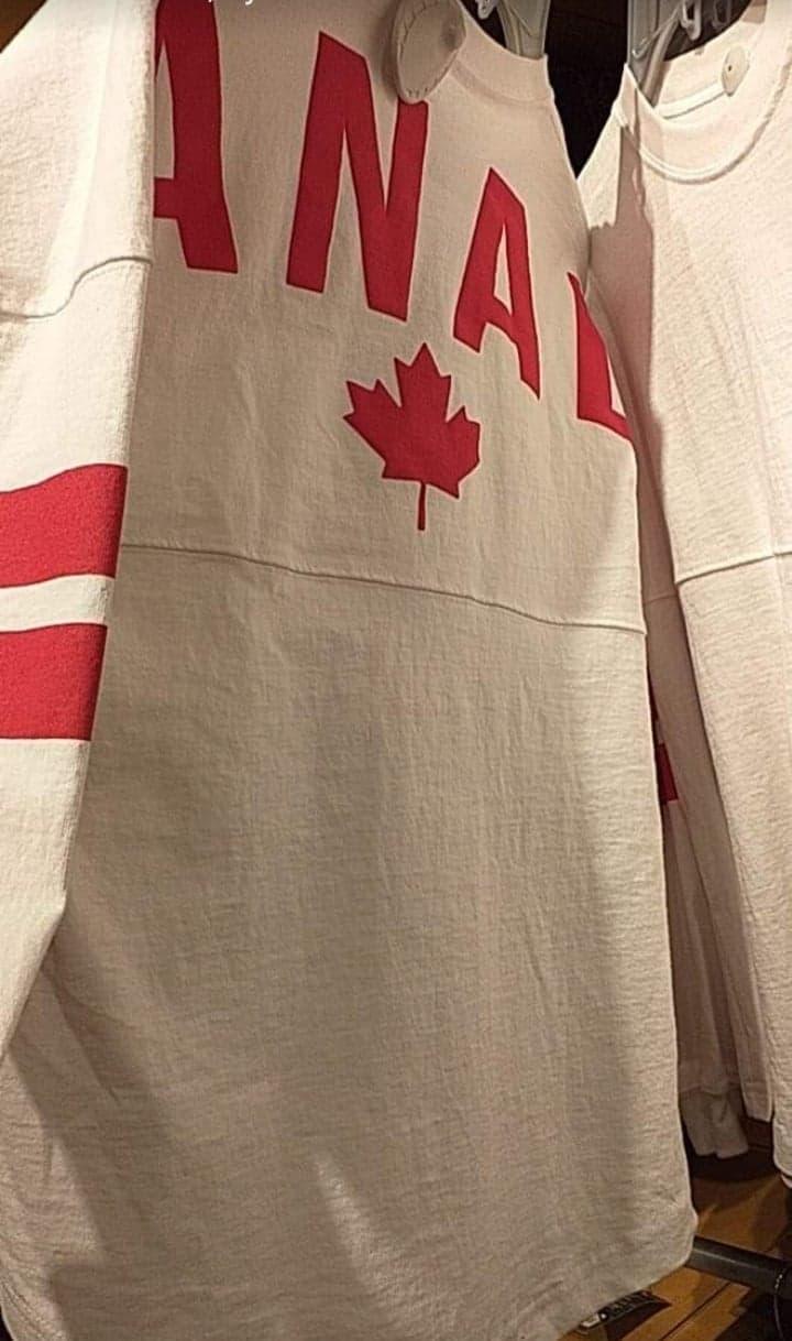Disney Store Canada produits 18628410