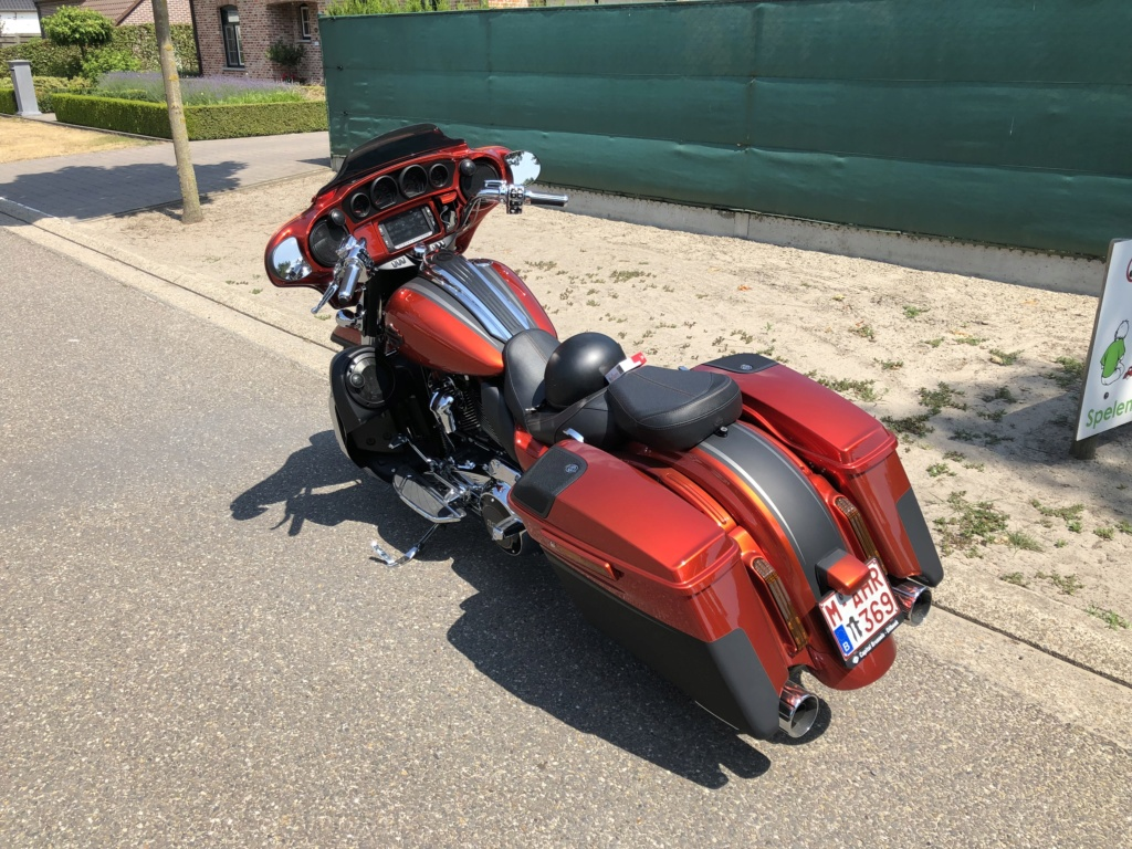 Street Glide CVO combien sommes nous sur Passion-Harley - Page 6 82087610