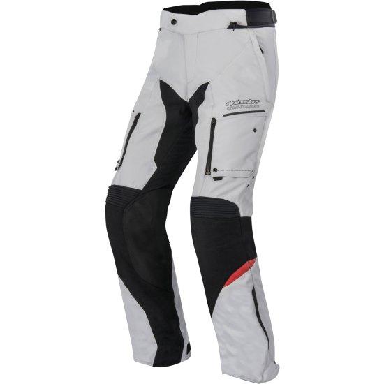 Pantalón de moto por encima de ropa de de calle Valpar10