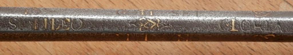 Après le sabre en fer... L'épée en fer... Epee_f10