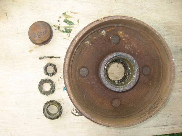 Démontage et entretien des freins de remorque R610