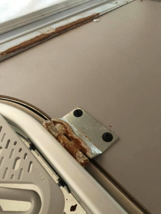 Rappel pour corrosion structure du lit de toit 1a3a5410