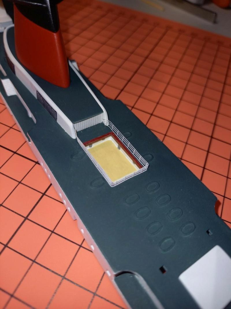 Paquebot France (Glencoe 1/450°) par chris celli - Page 3 Thumbn64