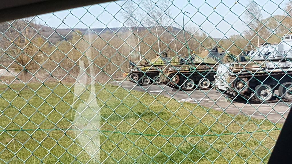Tankette Renault UE [Tamiya 1/35] (terminée) - Page 2 20200336