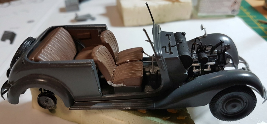 Cabriolet B type 170 Miniart 1:35 et equipage - Page 2 20201012