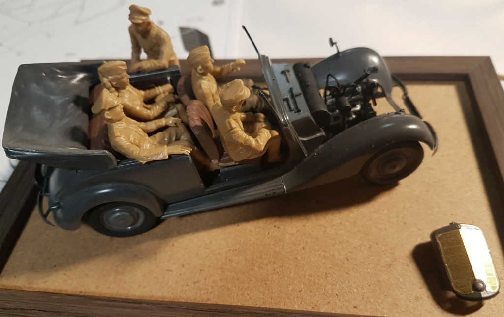 Cabriolet B type 170 Miniart 1:35 et equipage - Page 2 20201015