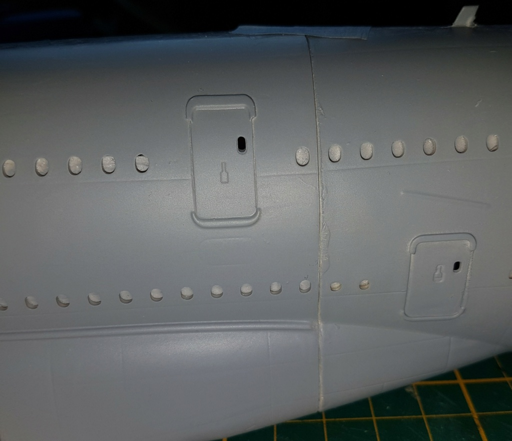 Airbus A380 Heller 1/125 - Page 3 20211074