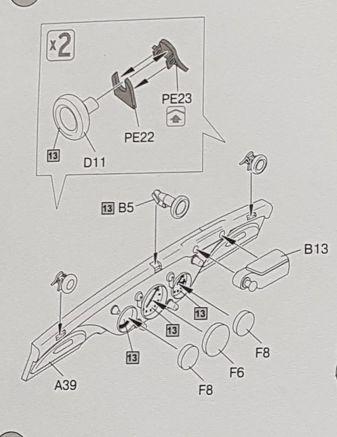 Cabriolet B type 170 Miniart 1:35 et equipage - Page 2 Detail10