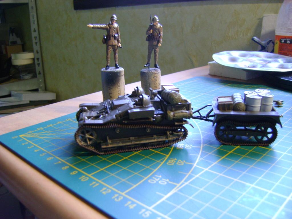 Tankette Renault UE [Tamiya 1/35] (terminée) - Page 2 Dsc01710