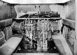 From the box - SD.KFz.135 Ambulans 'RPM au 1/35' monté en lorraine 38L *** Terminé en pg 3 - Page 3 Int_3810