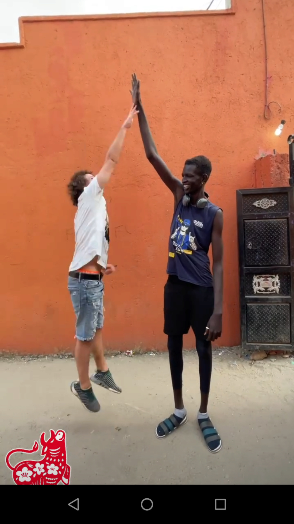 ¿Cuánto mide Luisito Comunica? - Altura - Real height - Página 14 Screen27