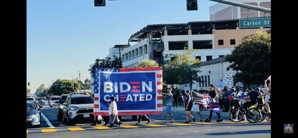 Bà con Cali đổ ra đường biểu tình khi Biden đần đến Cali hôm nay… 8741fb10