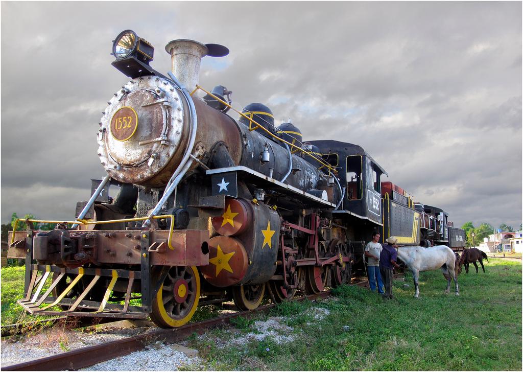 [Urbex_Engins_et_véhicules] cheval et vapeur Img_ch11