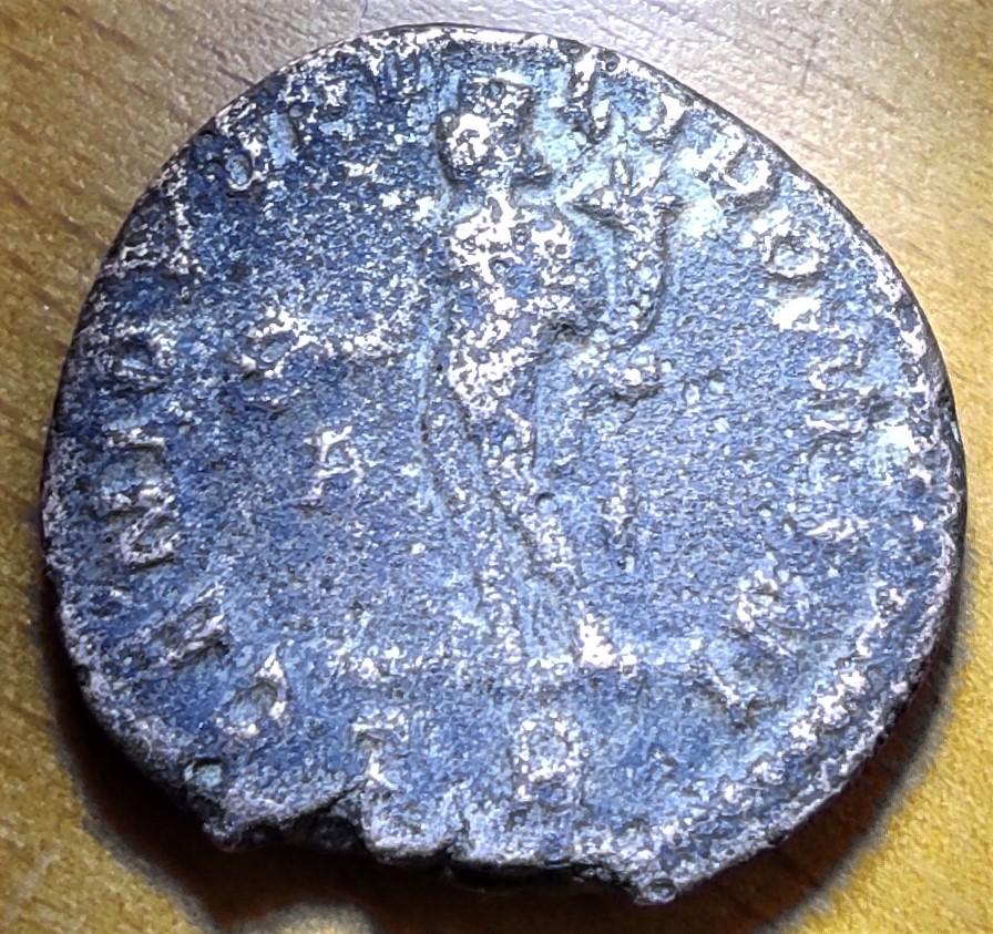 Follis de Constance I au Génie, Trèves, 1ère officine : Référence RIC ? 16237411