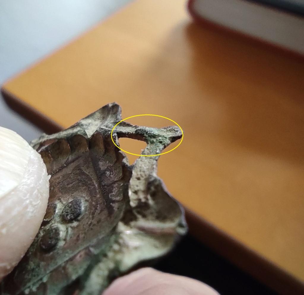 """Probablement petite broche ancienne, type """"héraldique"""", fin XVIIe - début XVIIIe Ardill15"""