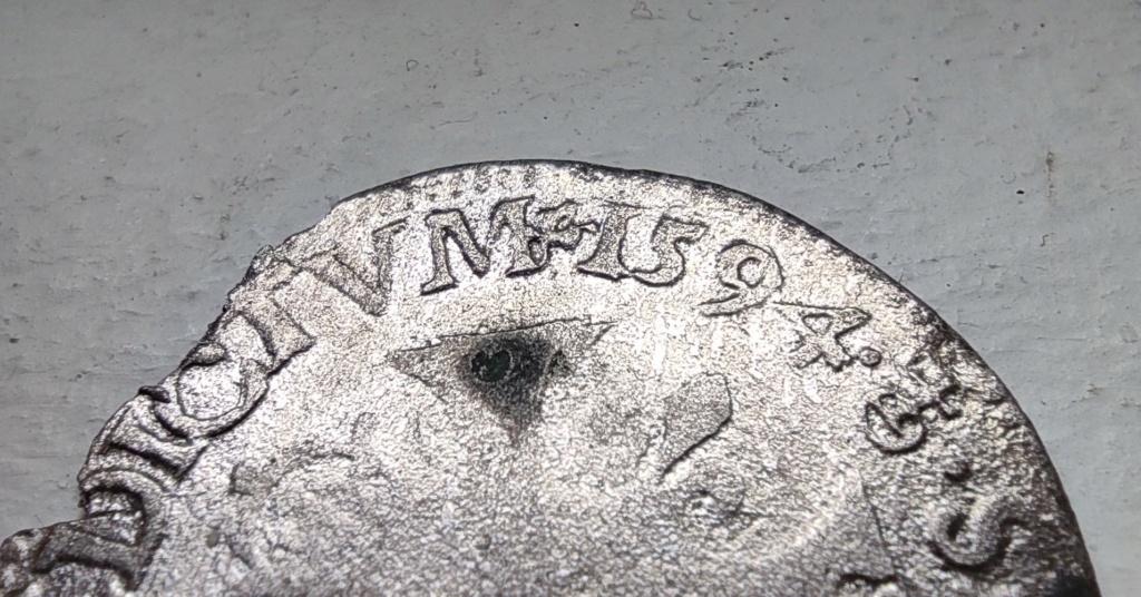 Douzain Henri IV aux 2H de Riom 1594 : demande de précision sur les différents Riom_z10