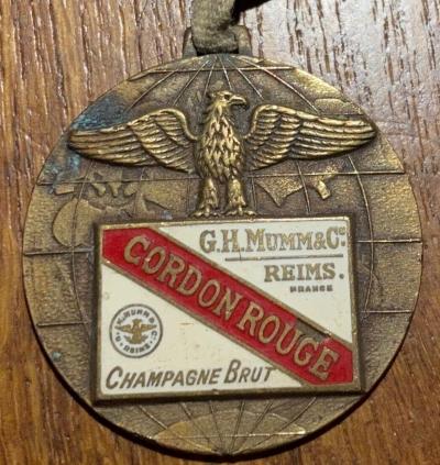 """Besoin d'aide pour identification """" médaille de venoge """"   S-l16015"""