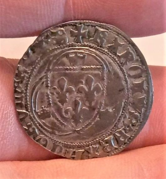Blanc à la couronne de Charles VII frappé à Bourges ... Screen17