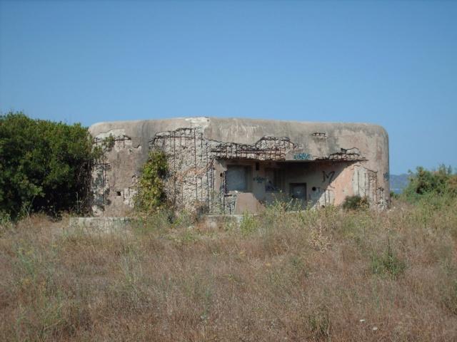 Casemates Maginot et batteries de côte en Corse (20) - Page 5 Hpim1611