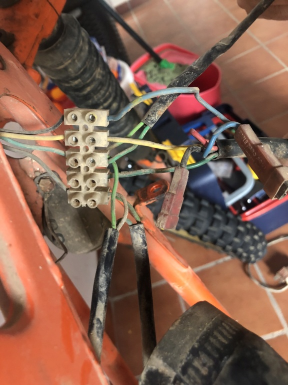 Así me he encontrado la moto al desmontarla Img_9212