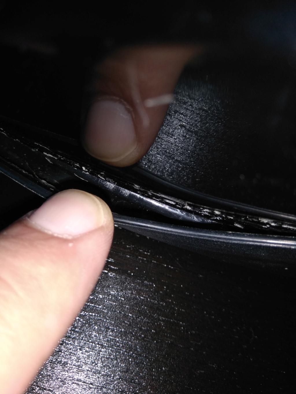 Como colar trim do capacete? E é possível reparar viseira em mau estado? Img_2013