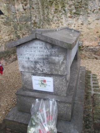 Tombe, à Congy, du général baron d'Empire François Chaugy de la Roche