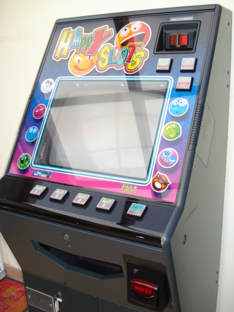 [For Sale] Happy Slots on Euro (coin + cash) Dsc01811