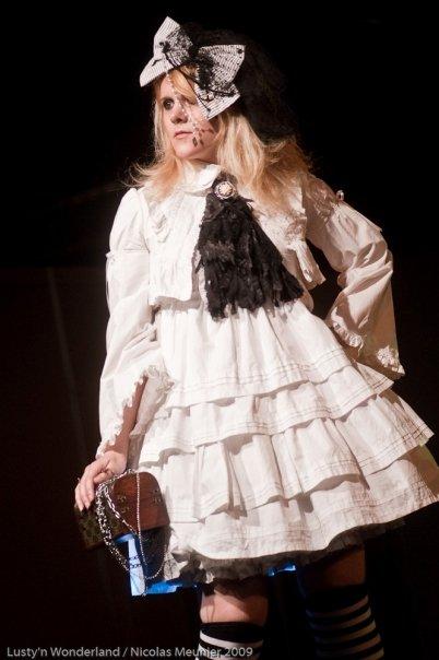 pchhht et des doigts-créas lolita! news du 29/12/2010 (p5) 11240_13
