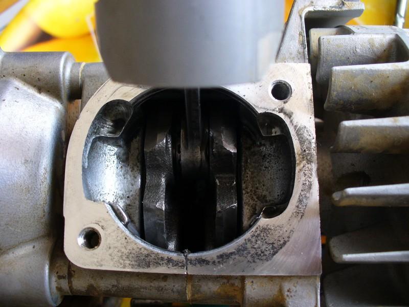 Autopsie de mon cylindre piston zen 26cc... - Page 5 P1050314
