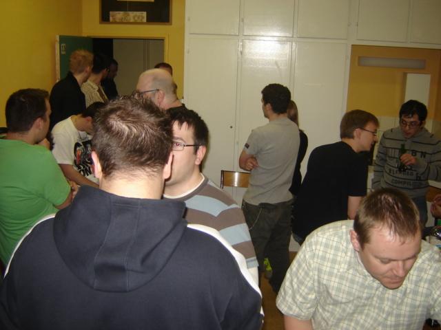 Le pot de départ de Nicolas, 8 mai 2009 Dsc03314
