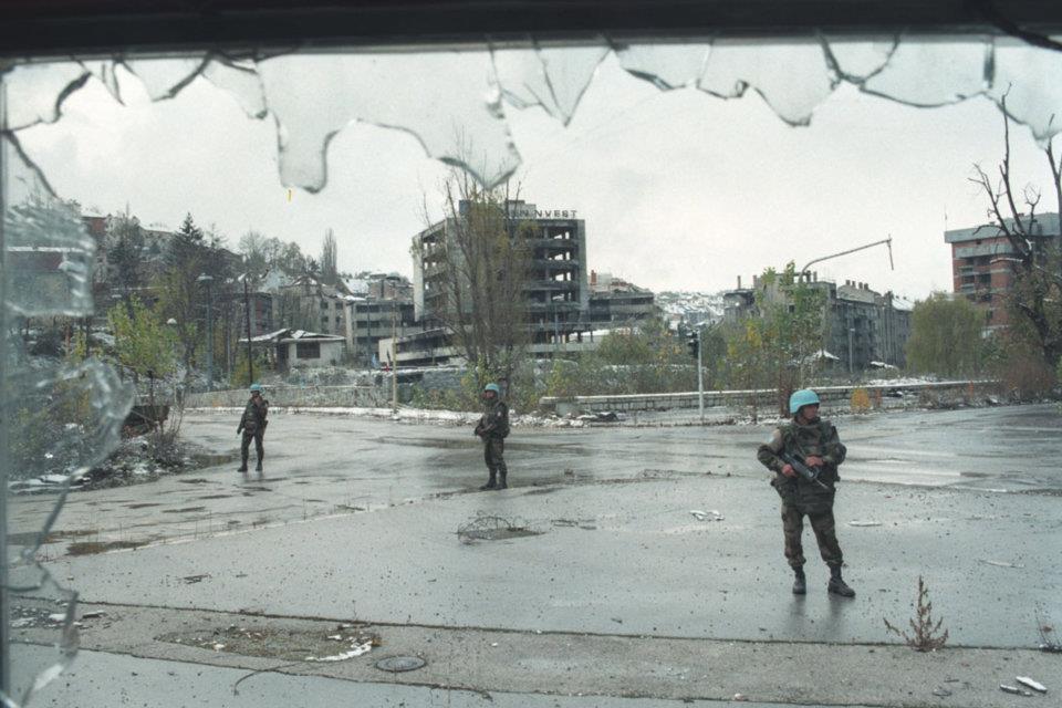 on aurait un risque fort d attentat ? - Page 22 Kosovo10