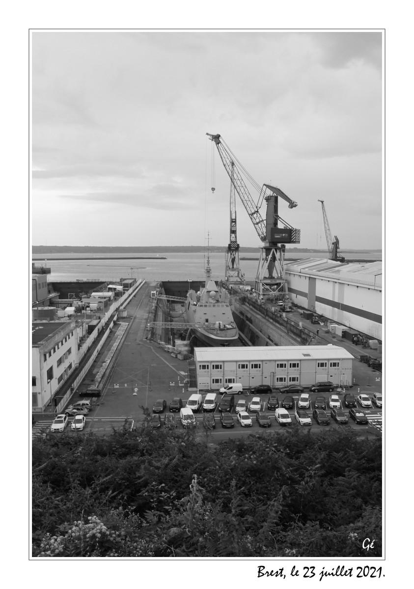 [Les ports militaires de métropole] Port de BREST - TOME 3 - Page 26 20210722