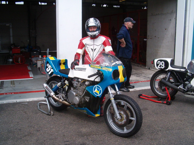 CONSTRUCTION KAWA SPECIALE B.O.C 2009     BIMOTA TEAM Bol_cl22