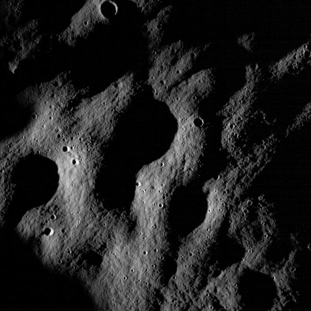 LRO (Lunar Reconnaissance Orbiter) - Page 4 Nacl0010