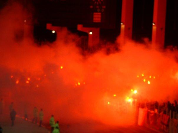 Photos Pyrotechnie (Torches, Pots à Fumée...) - Page 26 4631_110
