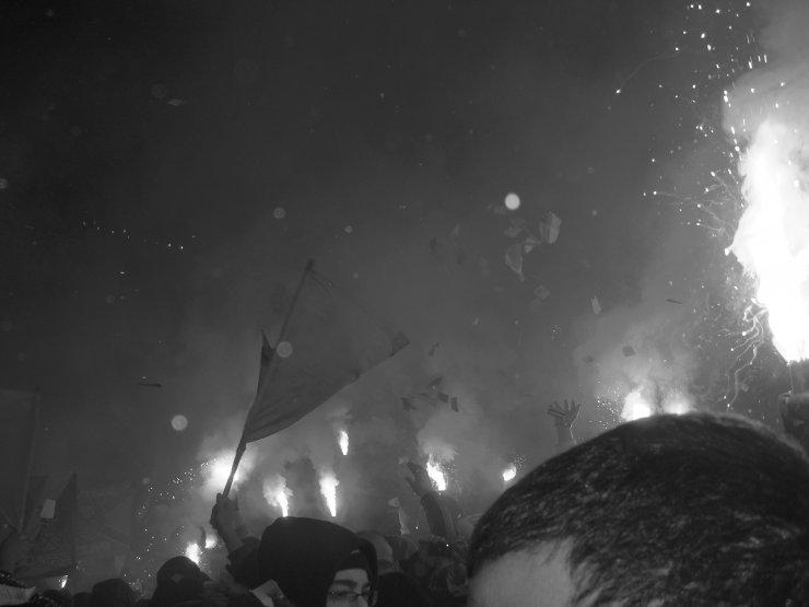 Photos Pyrotechnie (Torches, Pots à Fumée...) - Page 27 9b1d8a10
