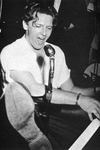 Un autre pionnier :Jerry Lee Lewis Jerry_10