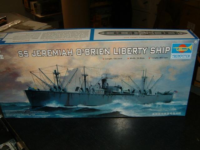 un liberty ship au 1/700 Libert10