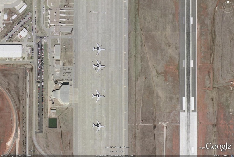 Les Avions-Radars (Awacs...) sur Google Earth - Page 2 Awak11