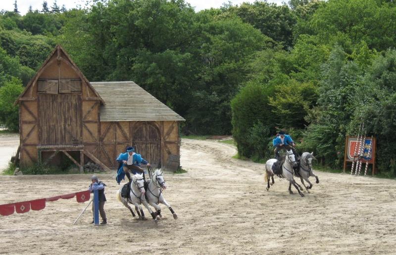 Hors sujet -----------> Le puy du fou en Vendée (85) Chatea11