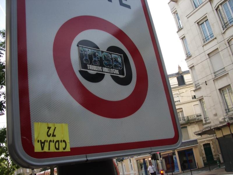 """Stickers """"Partout/Toujours"""" (Photos/débats) - Page 30 Imgp7211"""