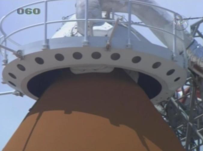 [STS-125] Atlantis : suivi du lancement (11/05/2009) - Page 3 Capuch11
