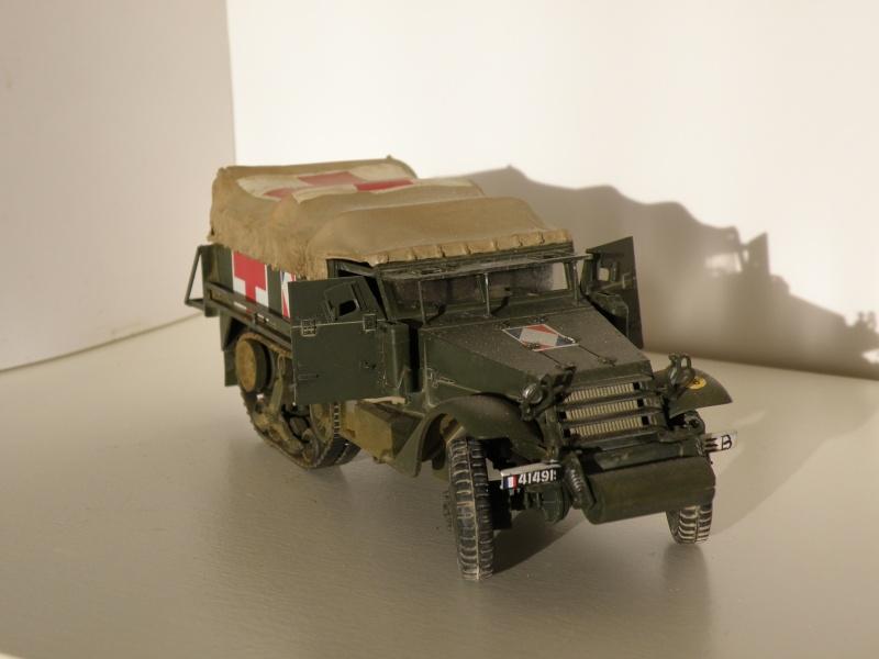 "GB"" Les véhicules sanitaires"" P5270114"