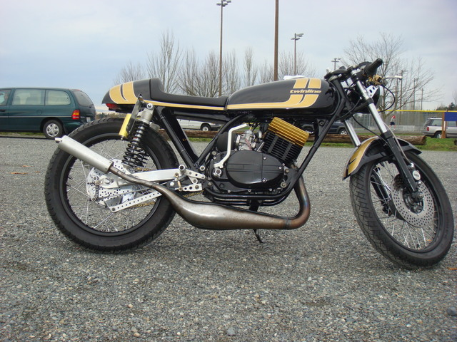 250 rd 1976 projet café racer - Page 2 Dsc03210