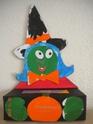 la sorcière avec la boîte de mouchoirs Dscn1212
