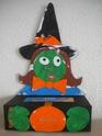 la sorcière avec la boîte de mouchoirs Dscn1213