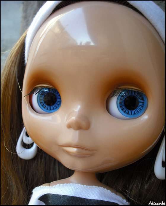 Cinnamon Girl (CG) // EBL 32896310