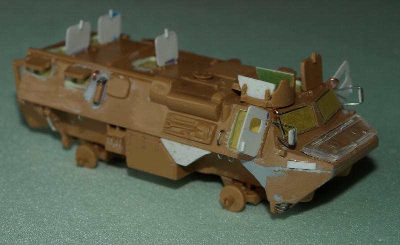 VAB 4x4  [HELLER 1/72]  ---  Montage terminé - Page 4 P1014027