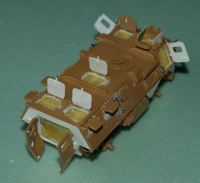 VAB 4x4  [HELLER 1/72]  ---  Montage terminé - Page 4 P1014030